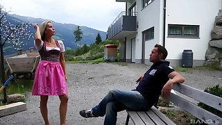 Outdoor sloppy blowjob from blonde MILF whore Julia Pink