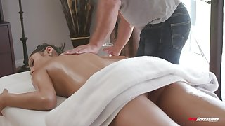 After an oily pussy massage, Gianna Dior gets a big throbbing dick
