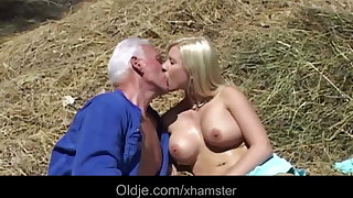 Oldman Joe gets lucky with hot blonde babe