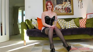 Redhead in leather outfit Zara Du Rose sucks dick on the couch